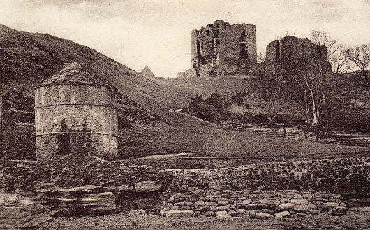 MacDuffs Castle past